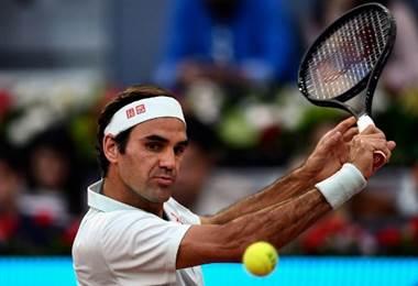 Roger Federer se estrena con victoria en Madrid en su vuelta a la tierra batida