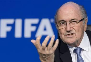 Blatter amenaza con llevar a Infantino y a FIFA a los tribunales