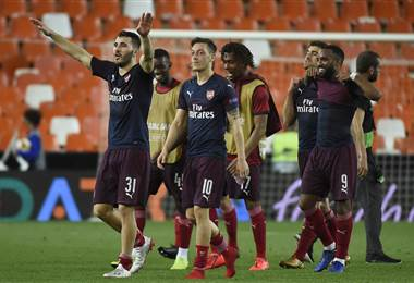 Arsenal llega a la final. AFP