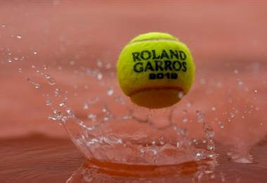 La lluvia se hizo presente en el Roland Garros | AFP