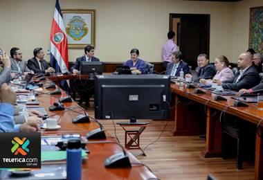 Sindicatos del sector salud se reunieron con el Presidente de la Republica Carlos Alvarado