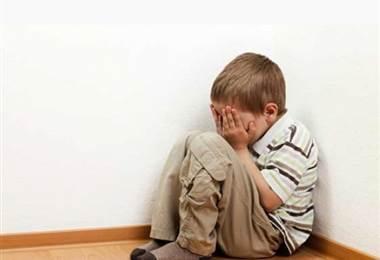 Abuso de menores. Foto de archivo