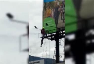 Hombre sufrió serias quemaduras tras tocar cable primario en Hatillo