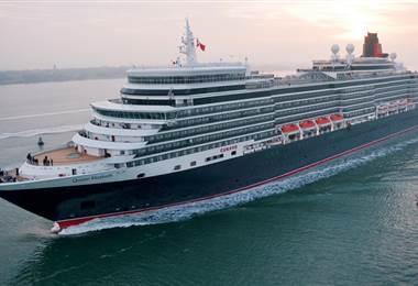Queen Elizabeth llegó este sábado a Puntarenas