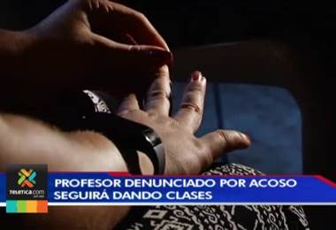 Profesor que fue suspendido en dos ocasiones por casos de acoso seguirá dando clases en el liceo experimental bilingüe de moravia, pese a nuevas denuncias.