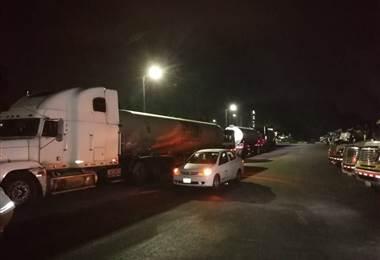 Operativo de Fuerza Pública permitió que camiones cisterna con gasolina pudieran trasladarse al GAM