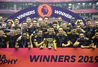 Wolverhampton gana el Asia Trophy al Manchester City en penales