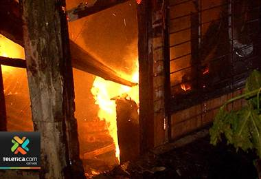 En los últimos tres años y medio 74 personas murieron en incendios estructurales