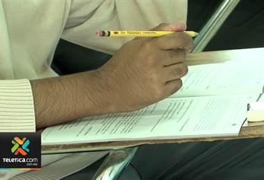 Tres colegios de Talamanca no aplicaron la prueba de bachillerato de este martes por crecida de río