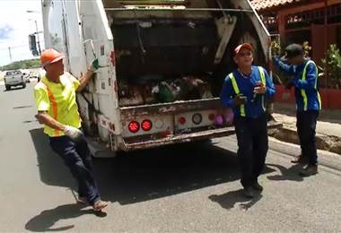 ¿Camión de basura o discomóvil?