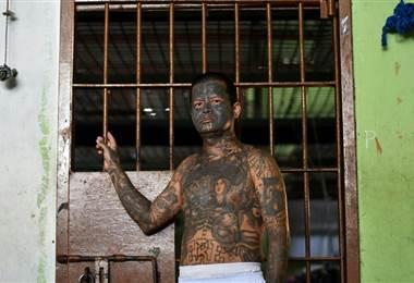 Pandilleros en cárceles de El Salvador.
