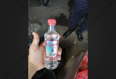 Policía Municipal de San José decomisó más de 400 botellas de guaro Montano