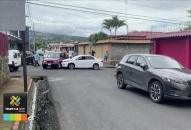Vecinos de Santa Bárbara de Heredia denuncia falta de señalización en sus calles