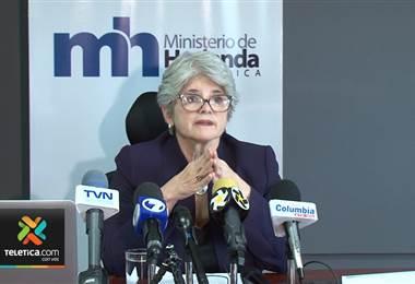 Ministra de Hacienda Rocío Aguilar asegura que su renuncia no está ni siquiera en análisis