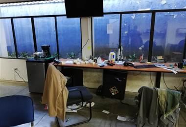 Sala de redacción de Confidencial después del asalto de la Policía Nacional, el pasado 14 de diciembre de 2018