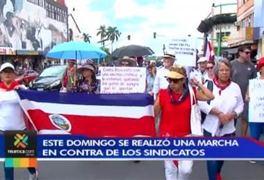 Este domingo se realizó marcha en contra de los sindicatos en San José centro