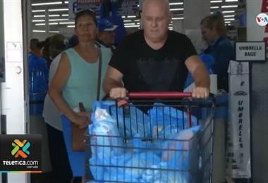 Ticos se preparan para la llegada del huracán Dorian