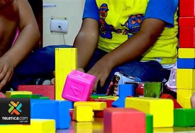 Casi la mitad de niños en el país son víctimas de violencia y un tercio vive en pobreza