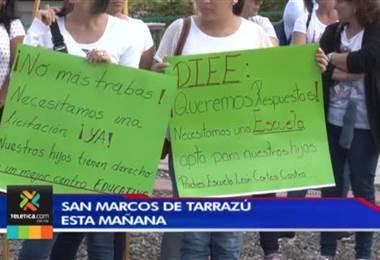 Padres de familia en Tarrazú protestan contra MEP por lento proceso de construcción de nueva escuela