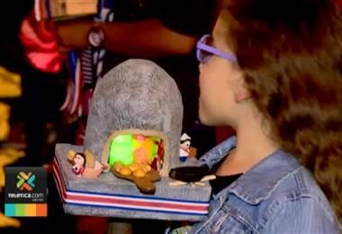 """Médicos y bomberos recuerdan a los padres no utilizar """"candelas"""" en los faroles de este sábado"""