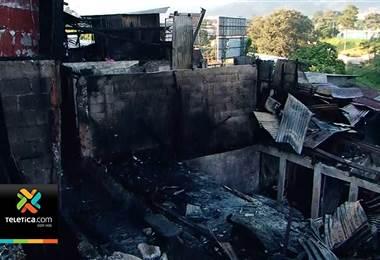 Barrio Cuba este martes tras el enorme incendio de ayer