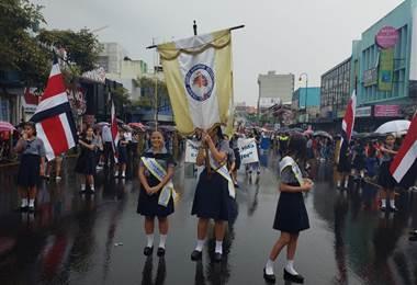 Colegio de Señoritas durante los desfiles del 15 de setiembre |Prensa MEP.