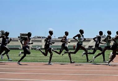 Organismo antidopaje del atletismo estudia sospechas sobre kenianos