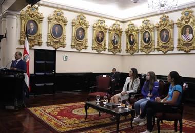 Homenaje atletas Asamblea Legislativa   PRENSA CON