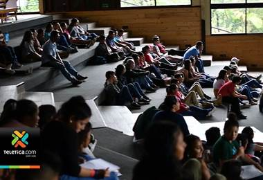 Más de 300 jóvenes guanacastecos se capacitaron para contribuir con el desarrollo de su provincia
