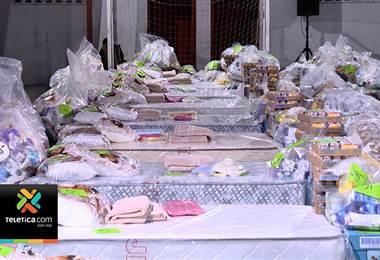 Familias afectadas en incendio de Barrio Cuba recibieron ropa, comida y colchones donados