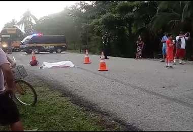 Motociclista pierde la vida tras chocar contra vehículo en Palmar Norte