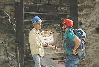 Fósiles, cavernas, barro y cal le esperan en la travesía de hoy
