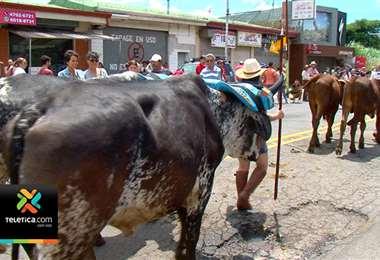 Desfile de boyeros cerró celebraciones en Santo Domingo por el 150 aniversario