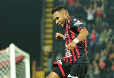 Allen Guevara celebra su gol con Alajuelense - PRENSA ALAJUELENSE