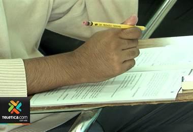 Al menos 46 recursos de amparo contra suspensión de dos pruebas de bachillerato por madurez