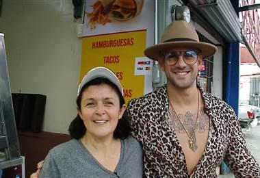 Bryan Ganoza visitó la soda de su mamá en Moravia