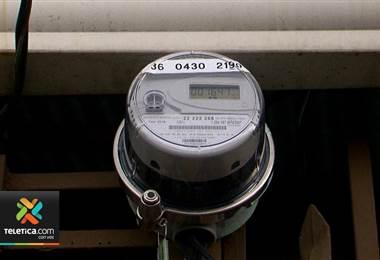 Vecina de Desamparados deberá pagar ₡307.000 de electricidad porque medidor estaba malo