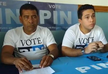 Jimmy Fonseca, candidato alcalde (derecha) junto a Diego Ramírez quien renunció