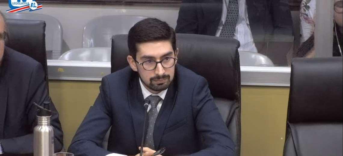 Luis Salazar en la Comisión Legislativa que investiga el Decreto para crear la UPAD