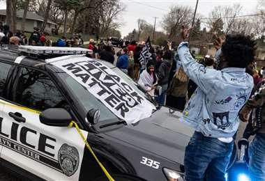 Protestas por la muerte de Daunte Wright. AFP