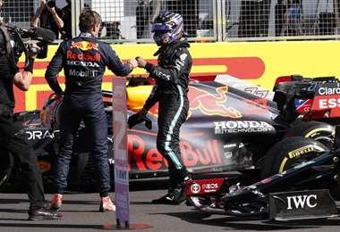 Verstappen y Hamilton. AFP